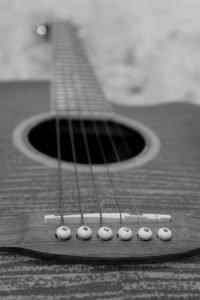 acoustic guitar pros and cons